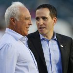 Eagles players reportedly texting Jeffrey Lurie to...