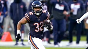 Chicago Bears RB David Montgomery stepping up as...